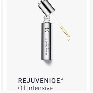 Rejuveniqe Oil